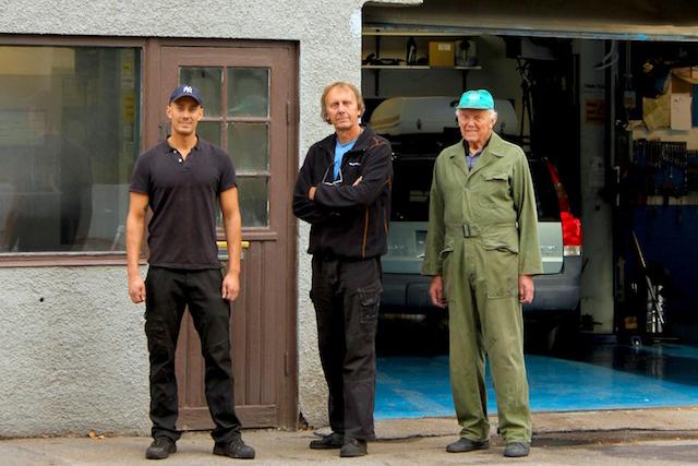 Rickard, Åke och Arne Nilsson på Nilssons Bilservice i Hässelby